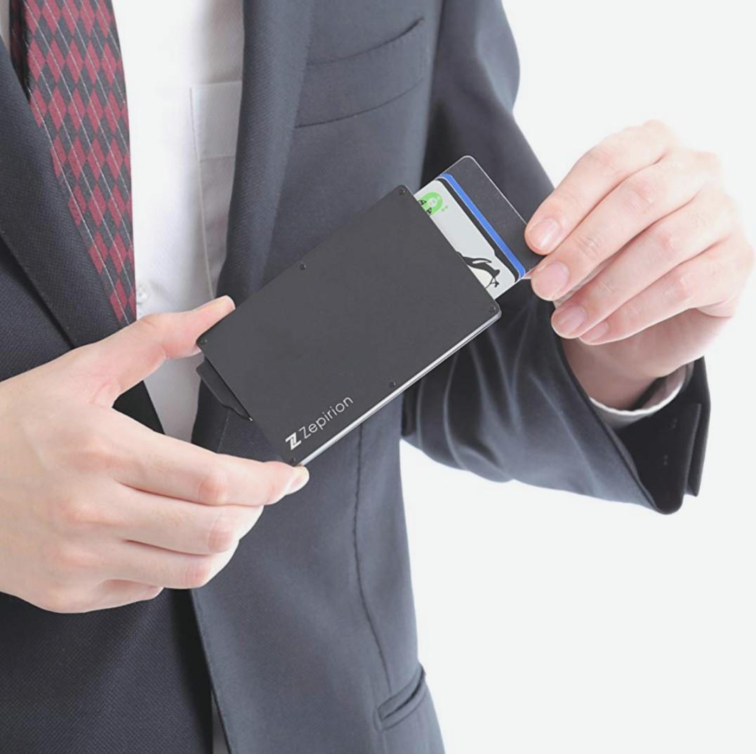 [商品紹介]旅行必需品!カード情報は簡単に盗める?防止する方法は?