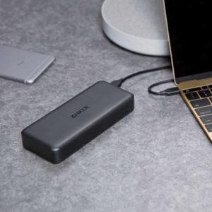PCもスマホも外出にモバイルバッテリーは必須。Ankerが選ばれる理由