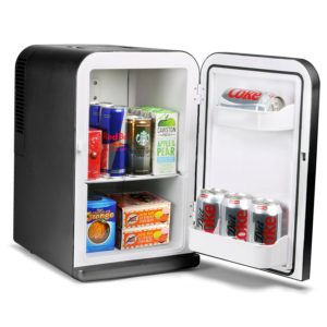 【2021年版】夏は必ず活躍するおすすめ小型冷蔵庫の魅力とは!部屋用にも!
