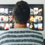 【2019年版】割高のテレビは時代遅れ!今おすすめのテレビはコレしかない!