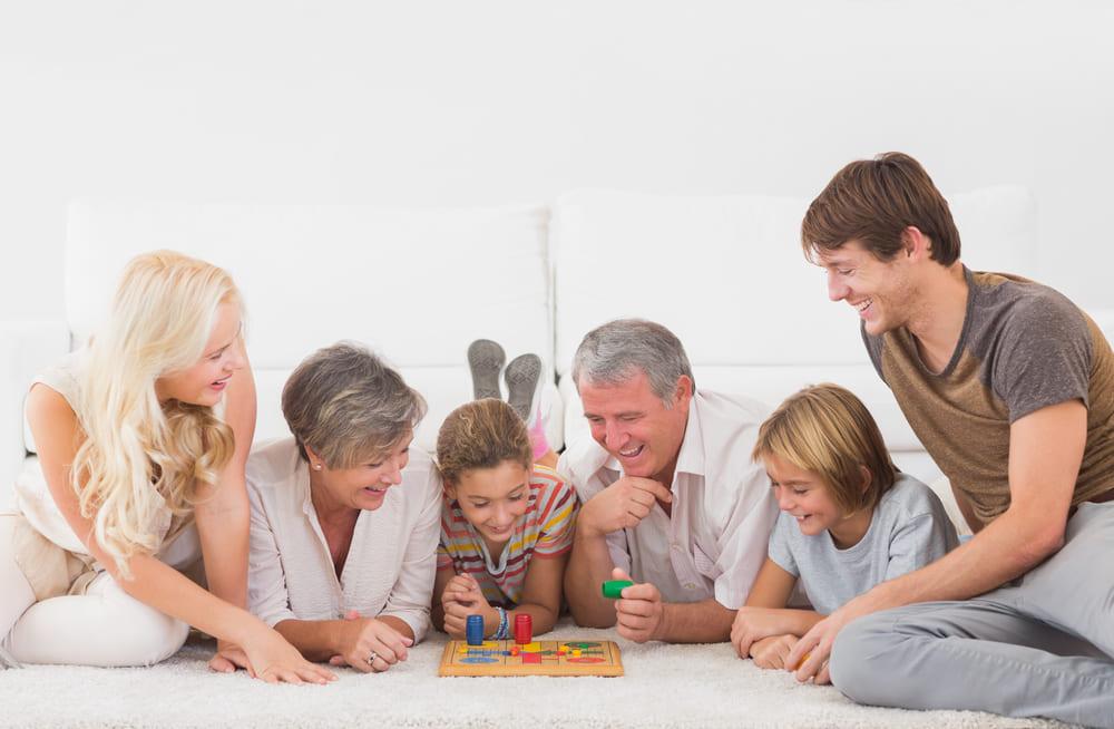 【人気5選】家で友達と家族と楽しめるボードゲーム。休日に最適!